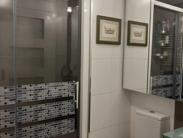 Cambiar una bañera por un plato de ducha en Madrid