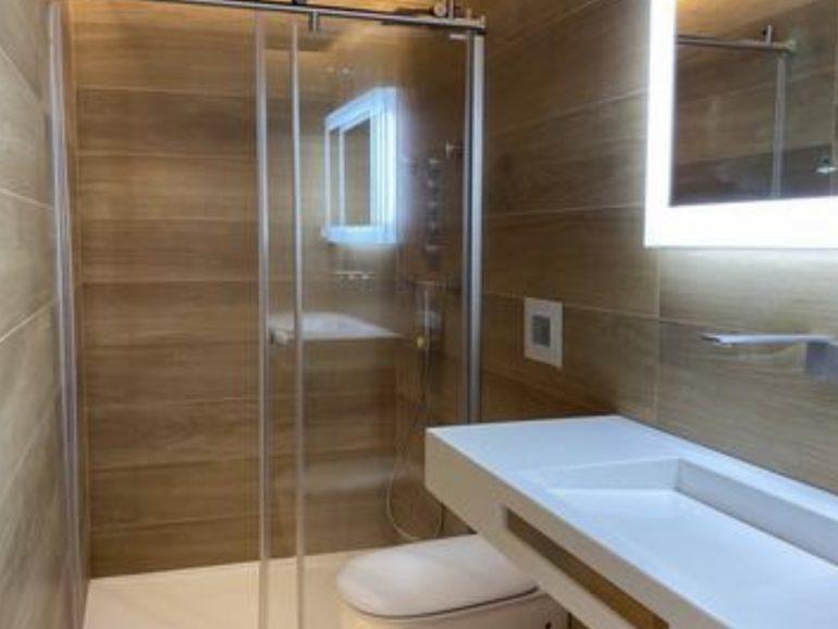Empresa de reformas en Vicálvaro obra de baño