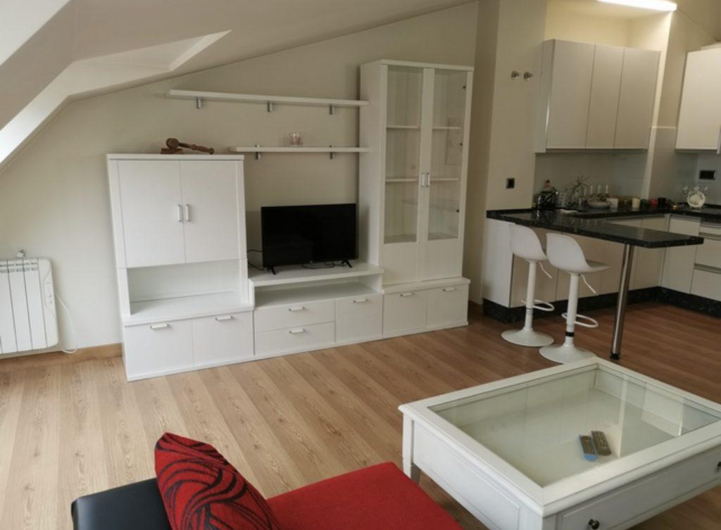 Reforma de salón-buhardilla en vivienda de Madrid