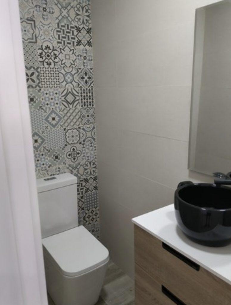 Fontanería, carpintería y reforma de baño en Leganés