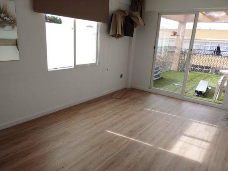Reformar salón y pasillo de casa en Tres Cantos