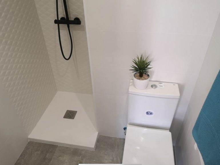 Ventana, reforma de cocina y baño en Madrid
